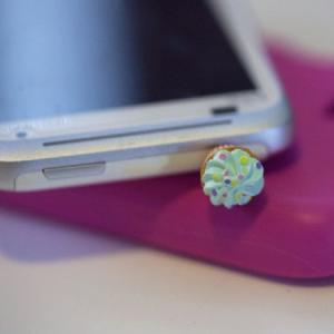 Kawaii GREEN CUPCAKE Iphone Earphon..