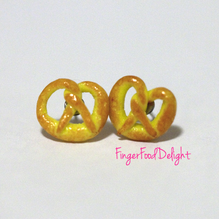Kawaii Cute Miniature Food Earrings - Pretzels